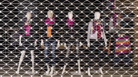 Wegen Lockdown geschlossenes Bekleidungsgeschäft (dpa)