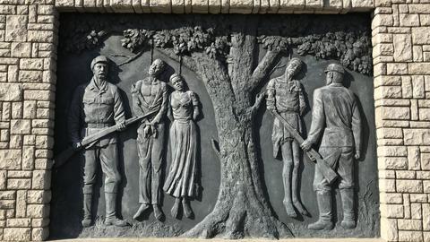 Ein Denkmal erinnert im Zentrum der namibischen Hauptstadt an den von deutschen Kolonialtruppen begangenen Völkermord an den Herero und Nama von 1904 bis 1907. D (dpa)