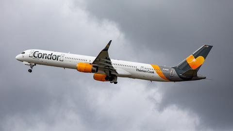 Maschine der Fluggesellschaft Condor startet (dpa)