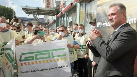 GDL-Chef Claus Weselsky bei einer Streik-Kundgebung in Berlin (dpa)