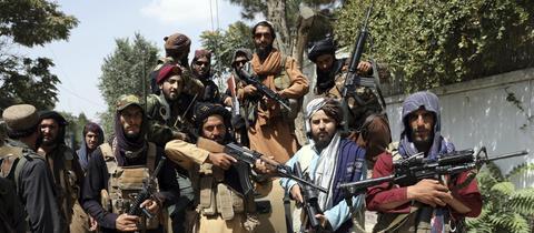 Taliban-Kämpfer in Kabul (AP)