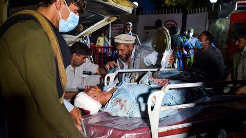Verletzte am Flughafen von Kabul (AFP)