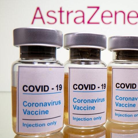 Fläschchen mit dem Impfstoff von AstraZeneca (REUTERS)