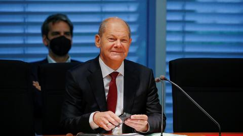 Finanzminister Olaf Scholz bei seiner Befragung im Finanzausschuss des Bundestags. (REUTERS)
