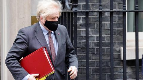 Der britische Premierminister Boris Johnson vor seinem Dienstsitz in der Downing Street in London. (AFP)