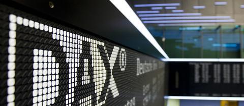 DAX-Logo auf Anzeigetafel ()