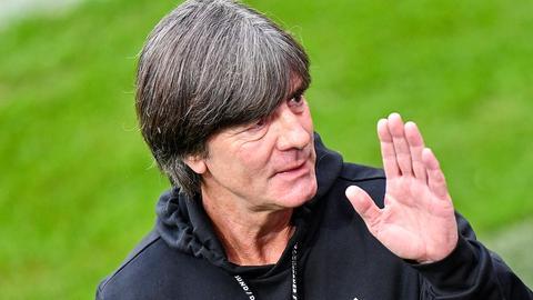 Bundestrainer Joachim Löw  (AP)