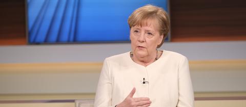 Merkel bei Anne Will (EPA)