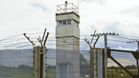 Ein Beobachtungsturm der ehemaligen DDR-Grenzanlagen  in Schlagsdorf