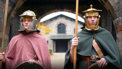 Schüler als Römer verkleidet