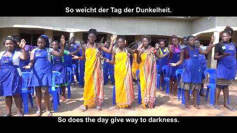 Ugandische Frauen beim Tanz