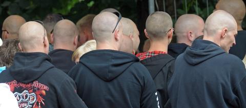 """Teilnehmer der NPD-Veranstaltung """"Rock für Deutschland"""" in Gera"""
