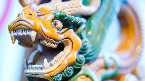 Ein chinesischer Dachreiter in Form eines Drachens aus dem 17. Jahrhundert