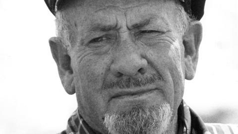 Der US-amerikanische Schriftsteller und Nobelpreisträger für Literatur (1962), John Steinbeck, im Januar 1966