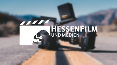 Hessenfilm und Medienlogo mit Kamera im Hintergrund