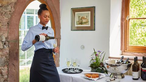 Auszubildende zur Restaurantfachfrau