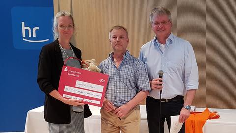 ARD, ZDF, ZBS Tischtennismeisterschaft Schecküberreichung AKIK