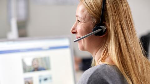 Mitarbeiter des Hörer- und Zuschauerservice