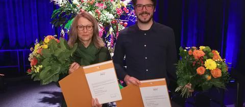 Die hr-Journalisten Dorothee Kaden und Carsten Schollmann