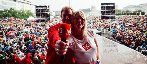 Tobi Kämmerer und Tanja Rösner moderieren das hr3-Festival