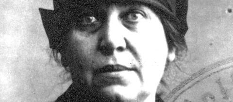 Paula Judith Buber als Georg Munk