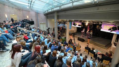 Abschlussveranstaltung Schülermedienprojekt #95neuethesen im Hessischen Rundfunk, 08.02.18.
