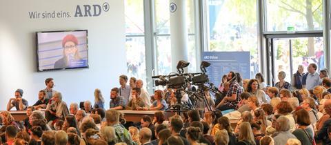 Die ARD-Bühne auf der Frankfurter Buchmesse im Forum