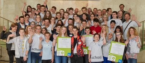 """""""school.fm 2018"""": Fünf hessische Schulen, fünfzig Schülerinnen und Schüler – und jeder ein Gewinner!"""