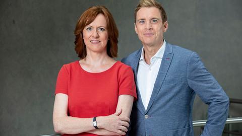 #hrWAHL – Hessen wählt Europa: Ute Wellstein und Jens Kölker führen durch die Sendung