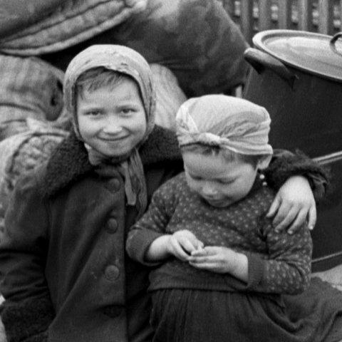 Kinder in Groß-Gerau 1945.