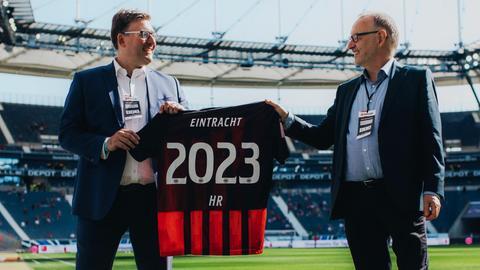 Axel Hellmann, Vorstandsmitglied Eintracht Frankfurt Fußball AG, (li.) und Manfred Krupp, hr-Intendant