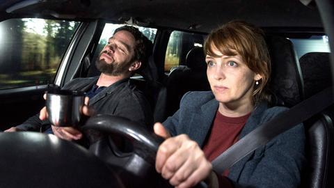 Bist du glücklich?: Marc Pfeiffer (Ronald Zehrfeld) und Sonja Elbert (Laura Tonke).