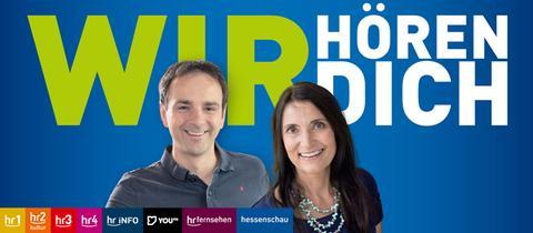 Doris Renck und Gunnar Töpfer vor blauem Hintergrund, dem wir hören dich logo und den Logos aller hr-Wellen