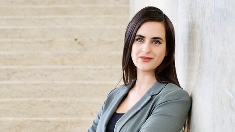 hr-Journalistin Sara Bhatti ist mit dem Kurt-Magnus-Preis ausgezeichnet worden.