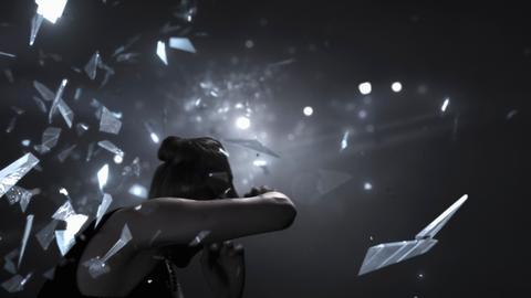 """Filmstill aus dem Experimentalfilm """"Am Ende vor dem Anfang"""" von Matthias Winckelmann aus dem Jahr 2012: Bedeutungslose Aufmerksamkeit."""