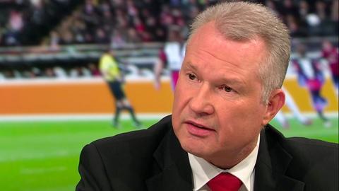 """HFV-Vizepräsident Torsten Becker in der Sendung """"Heimspiel!"""" im hr-fernsehen"""
