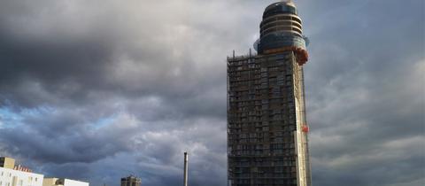 Der neue Henninger-Turm im Bau