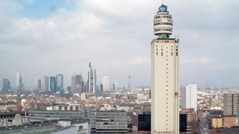 Der alte Henninger Turm kurz vor dem Abbruch