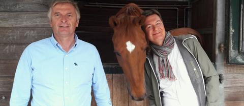 Moderator Dieter Voss (rechts) mit Dietmar Gugler, Besitzer des Gestüts Prinzenberg in Pfungstadt
