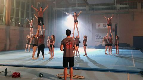 Cheerleading made in Pfungstadt: das Team der FTG Allstars bei der Probe