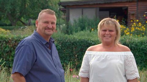 Volker und Stephanie Höfner in der Anlage des Kleingärtnerverein Johannisau-Fulda e.V.
