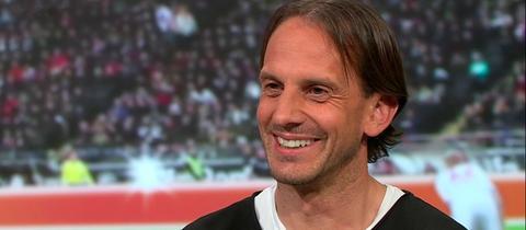 """Rüdiger Rehm, Trainer des SV Wehen Wiesbaden, in der Sendung """"Heimspiel!"""" im hr-fernsehen"""