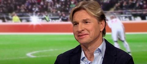 """Der frühere Eintracht-Profi Lothar Sippel in der Sendung """"Heimspiel!"""" im hr-fernsehen"""
