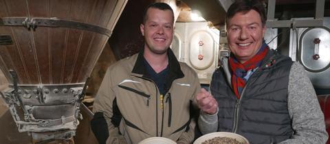 Dieter Voss (rechts) mit Jungmüller Rainer Feick aus der Herrnmühle.