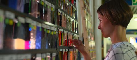 Anna Rothfuchs, die Ururenkelin des Gründers der Firma Derix Glasstudio in Taunusstein