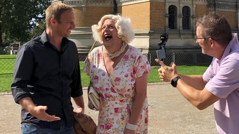 Tobi trifft Aurora de Meehl in Darmstadt auf der Mathildenhöhe.