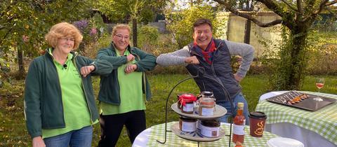 Dieter Voss mit Petra van Steen (Mitte) und Jana van Steen