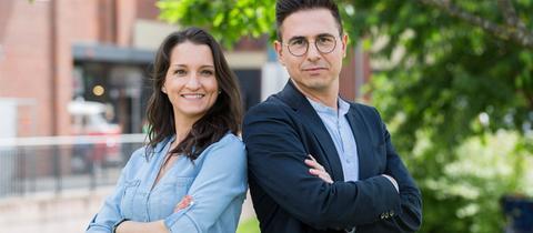 """Das """"Klartext!""""-Moderatoren-Duo Julia Tzschätzsch und Daniel Mauke."""