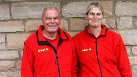 Klaus Schultze, Leiter der Wasserrettung am Edersee, mit seiner Ehefrau Brigitte