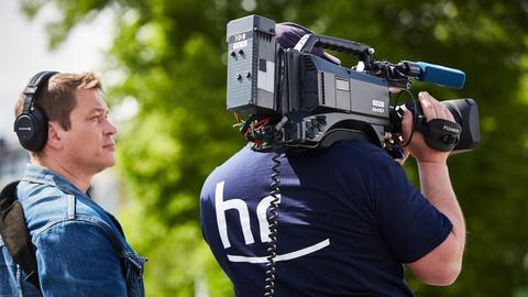 Zwei Kameraleute bei der Arbeit